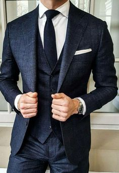 Suit Goals cc: @ menwith class – Men's style, accessories, mens fashion trends 2020 Affordable Mens Suits, Mode Costume, Designer Suits For Men, Fashion Mode, Classy Fashion, Vintage Fashion, Fashion 2020, Mens Fashion Suits, British Mens Fashion