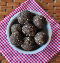 These grain free energy bites are a great way to use leftover almond or hazelnut meal after making almond milk. They are vegan and contain no refined sugars.