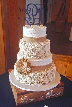 lace wedding decor 24