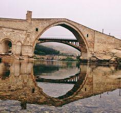 Malabadi Köprüsü Diyarbakır Turkey