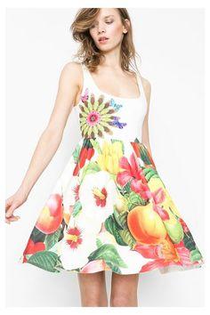 Vestido evasé de cintura alta Desigual. ¡Descubre la colección primavera-verano 2016!