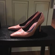 Carola Via Spiga snakeskin pumps Good condition some signs of wear (shown in pictures) but they look fantastic! Via Spiga Shoes Heels