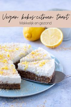 Raw Cake, Vegan Cake, Vegan Desserts, Vegan Recipes, Homemade Strawberry Cake, Fresh Strawberry Cake, Avocado Dressing, Lemon Meringue Cheesecake, Cheesecake Recipes