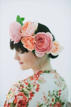Asymmetrical floral crown - See the Wedding Chicks for this DIY by Blue Jar Events. #floralcrown #diy