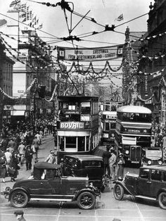 """""""Northumberland St Newcastle upon Tyne decorated for a Royal Visit in the Mystery Of History, Local History, History Mysteries, Old Pictures, Old Photos, Newcastle Gateshead, Newcastle Town, Blaydon Races, Durham City"""