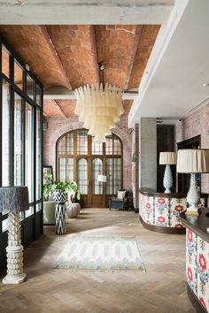 I always love peeking into a Soho House when I get the opportunity - it's like eye candy for the interior obsessed. The club's eighteenth and latest outpost in Barcelona is as impeccably designed as one would expect. Housed in a refurbished 18th century mansion in my favorite area of Barcelona,