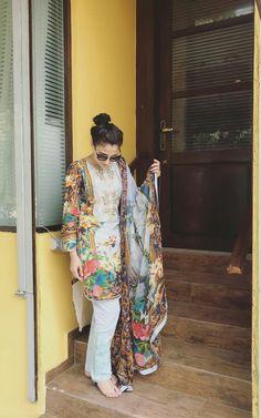Latest Pakistani Dresses, Pakistani Dress Design, Pakistani Outfits, Simple Dresses, Elegant Dresses, Beautiful Dresses, Eid Dresses For Girl, Simple Dress Pattern, Classy Suits