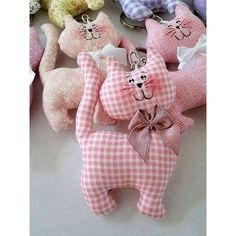 Amazing Home Sewing Crafts Ideas. Incredible Home Sewing Crafts Ideas. Sewing Toys, Baby Sewing, Sewing Crafts, Sewing Projects, Sewing Stuffed Animals, Stuffed Animal Patterns, Fabric Animals, Felt Animals, Fabric Toys