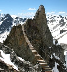 Climb the world's oldest Iron path in Dolomites   http://wp.me/p5qhzU-cI   #travel, #Italy