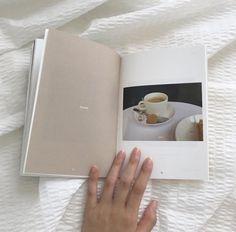 New Soft Korean Aesthetic Wallpaper Ideas Wallpaper Tumblr Lockscreen, Wallpaper Iphone Disney, Trendy Wallpaper, New Wallpaper, White Wallpaper, Cream Aesthetic, Brown Aesthetic, Aesthetic Photo, Aesthetic Vintage