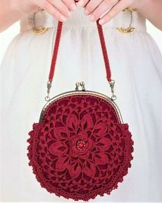 Red purse bridesmaids purse lace purse by WillowFairyJewelry Coin Purse Pattern, Crochet Coin Purse, Crochet Purse Patterns, Crochet Purses, Bag Patterns, Crochet Bags, Crochet Ideas, Knitting Patterns, Crochet Shell Stitch