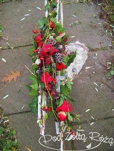 Art Floral, Grave Decorations, Sympathy Flowers, Black Flowers, Funeral, Floral Arrangements, Christmas Wreaths, November, Blog