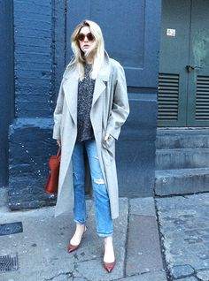 blogueira camille charriere usa casaco cinza look de inverno
