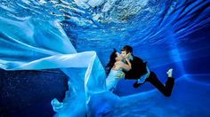 Hudson Valley Weddings - 8 Creative Wedding Photo Ideas - underwater photos