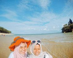 Balekambang beach. Malang Indonesia Kapan mbak @dwi_intandwi  main bersama @bromokita lagi. Makasih ya kunjungannya . #trip #opentrip #balekambamg #beach #bromokita #liburan #holidays #tour #traveling