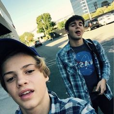 Flannel bros, Jace Norman and Jack Griffo Jason Norman, Henry Danger Jace Norman, Norman Love, Nickelodeon Cast, Henry Danger Nickelodeon, Hot Actors, Actors & Actresses, Jack Griffo, Jace Norman Snapchat
