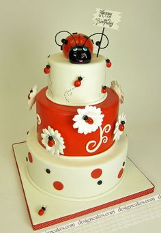 Here is a collection of adorable ladybug cakes and decorating ideas, so if you are trying to make a similar cake, decorated with fondant, then don't miss these creative ladybug cakes! Pretty Cakes, Cute Cakes, Beautiful Cakes, Yummy Cakes, Amazing Cakes, Ladybug Cakes, Ladybug Party, Different Cakes, Novelty Cakes