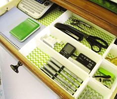 Colorful and pretty desk drawer organizing tips