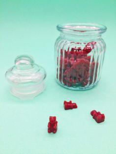 Ideale Geschenkidee: Gummibärchen im Glas selber machen