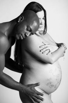 16 Real, Beautiful Women in Every Stage of Pregnancy (NSFW)