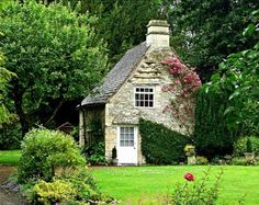 stone house a wonderful cottage Little Cottages, Cabins And Cottages, Little Houses, Small Cottages, Country Cottages, Country Farm, Country Living, Fairytale Cottage, Garden Cottage