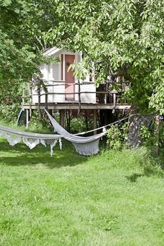 In the back yard Fleaing France Brocante Society     Life is a Hammock