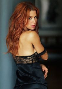 Black Lingerie for Redheads - https://www.lacyhint.com/blog/black-lingerie-for-redheads/