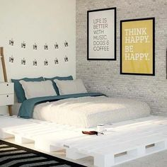 Best 11 Simple DIY Palled Bed:I have presented a list of DIY bed frame to make your bedroom fabulous. All of them are easy and cheap and fit your budget. Diy Pallet Bed, Pallet House, Diy Bett, Diy Bed Frame, Simple Bed, Dream Rooms, New Room, Bed Design, Pallet Furniture