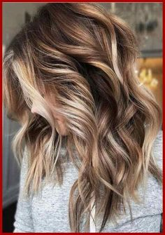 Balayage is suitable for light and dark hair, almost all lengths except very short haircuts. Today I want to show you the most popular Brunette Balayage Hair Color Ideas. Balayage has become the biggest trend in recent seasons, and it's not over yet. Brunette Color, Fall Blonde Hair Color, Hair Colors For Fall, Trendy Hair Colors, Fall Hair Highlights, Hair Color For Brown Eyes, Hair For Fall 2018, Colorful Hair, Long Hair Colors