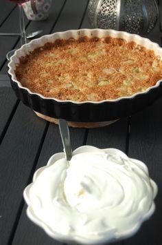 Knäckig Rabarberpaj Candy Recipes, Dessert Recipes, Desserts, Swedish Recipes, Sweet Pie, Rhubarb Recipes, Pie Dessert, Cakes And More, I Love Food