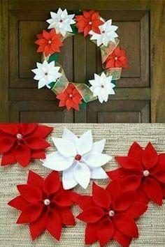 Elabora unas Lindas Nochebuenas con Fieltro 1st Christmas, Christmas Wreaths, Christmas Crafts, Christmas Decorations, Holiday Decor, Curtain Clips, Beaded Banners, Poinsettia, 4th Of July Wreath