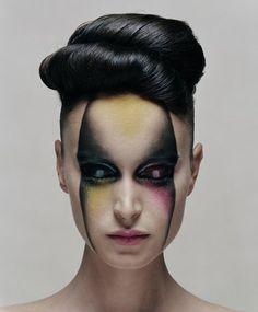 avant-garde just amazing make-up! Sfx Makeup, Costume Makeup, Makeup Art, Beauty Makeup, Hair Makeup, Hair Beauty, Makeup Eyes, Alien Make-up, Fantasy Make Up