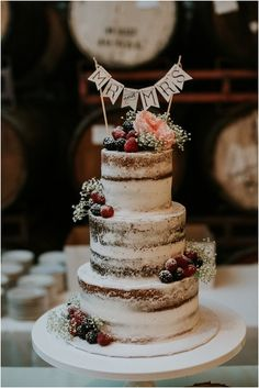 Nice Rustic Wedding Cake Decorations Ideas For Your Sweetness Wedding https://bridalore.com/2017/10/18/rustic-wedding-cake-decorations-ideas-for-your-sweetness-wedding/