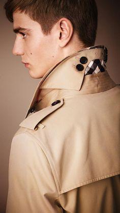 The Kensington - Short Heritage Trench Coat | Burberry