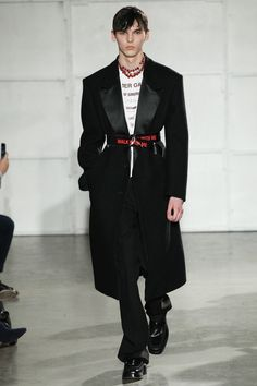 Raf Simons   Menswear - Autumn 2017   Look 1