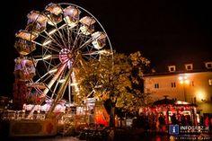"""#Eröffnung #WONDERLEND #Graz 2013 – """"Finde dein Stück zum Glück"""" hieß es am 22.11.2013. Es gab u.a. kollektives #Lebkuchenverzieren und als #musikalische #Umrahmung das #Masala #Brass #Kollektiv. Auch heuer geht WONDERLEND dank der """"#MANAGERIE"""" wieder alternative Wege."""