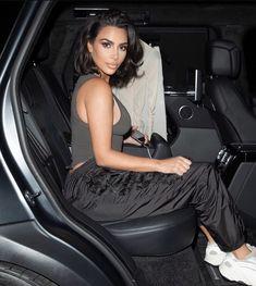mmirandalaurenn - kim kardashian west athletic wear outfit look Kim Kardashian Bikini, Kim Kardashian Blazer, Kim Kardashian Photoshoot, Estilo Kardashian, Kardashian Style, Kardashian Jenner, Kardashian Fashion, Kim Kardashian Hairstyles, Young Kim Kardashian