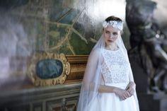 BRANDY Cymbeline Robe de mariée à traine en dentelle et Mikado de soie mélangée,  dos V.