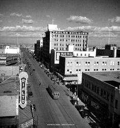 Back in the olden days, Edmonton was a different place. Usa Street, Western Canada, Canadian History, City Landscape, Useful Life Hacks, Alberta Canada, Travel Goals, Calgary, Places To See
