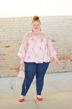 3 Toppers for Casual Spring Style: casual looks can still pack the flourishes and frills that make fashion fun, and spring's trendiest toppers prove it! Source by plus size verão Spring Fashion Casual, Spring Fashion Trends, Fashion Wear, Curvy Fashion, Fashion 101, Fashion Rings, Fashion Shoes, Plus Clothing, Plus Size Womens Clothing
