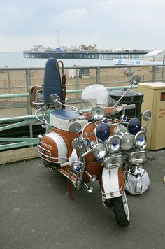 Brighton Mods Shared by Motorcycle Clothing - Two-Up Bikes Piaggio Vespa, Lambretta Scooter, Scooter Motorcycle, Vespa Scooters, Retro Scooter, Scooter Girl, Scooter Images, New Vespa, Bike Cart
