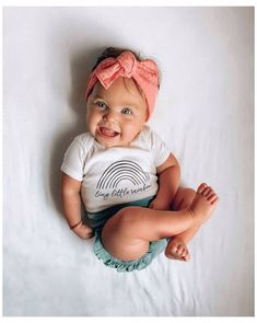 and baby outfits Oh my goodness Cute Little Baby, Pretty Baby, Mom And Baby, Little Babies, Cute Babies, My Baby Girl, Baby Baby, Cute Baby Girl Outfits, Cute Baby Clothes