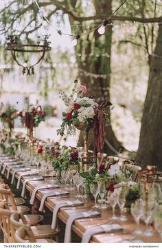 This lively wedding, although rich in glitzy elements, showcased Mother Nature's authentic beauty.