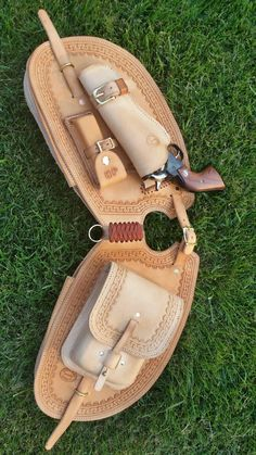 Horse Saddles, Horse Tack, Leather Holster, Leather Bag, Cowboy Crafts, Western Holsters, Cowboy Gear, Medicine Bag, Leather Pattern