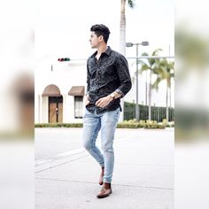 Welcome #spring! #ootd #twotrends #miami #blogger #menswear #lookbook #lifestyle #fashion