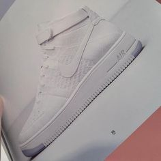 wholesale dealer 1df74 d0ca9 First Look  Nike Air Force 1 Flyknit