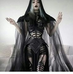 Darkness, dark beauty, nu goth, etc. Things I post are not mine nor made by me, if I don't indicate...