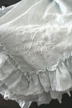 shabby chic white linen ruffle napkins or tablecloth Embroidery Monogram, Lace Embroidery, Linen Fabric, Linen Bedding, Bed Linens, Table Linens, Cotton Linen, Bedding Sets, Ruffled Tablecloth