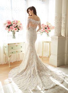#sophiatolli #weddingdress #fashion @weddingchicks