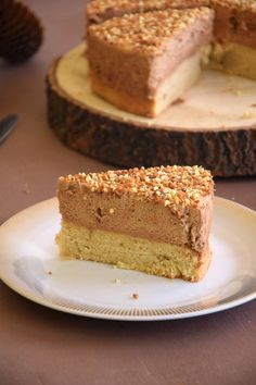 Gâteau nuage praliné – Maman Pâtisse You are in the right place about pastry decoration Here we offer you the most beautiful pictures about the pastry Cloud Cake, Cake Recipes, Dessert Recipes, Low Calorie Desserts, Fancy Desserts, Food Cakes, Savoury Cake, Coffee Recipes, Coffee Cake